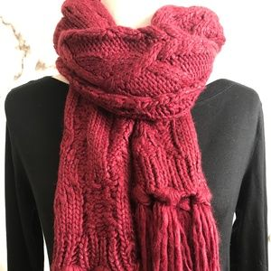**Cable Knit Fringed Scarf Burgundy New With Tags